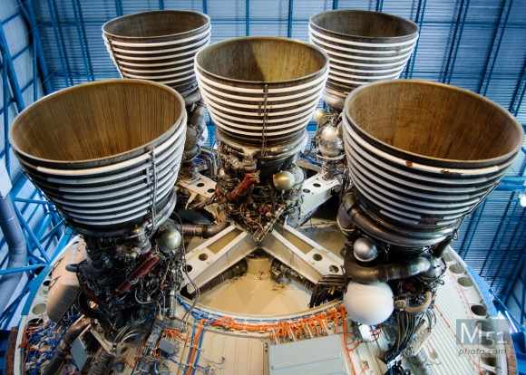 Apollo/Saturn V Rocket motor - Cape Canaveral - D90 f3.5 iso 720 18mm 1/60th (18-55kit)